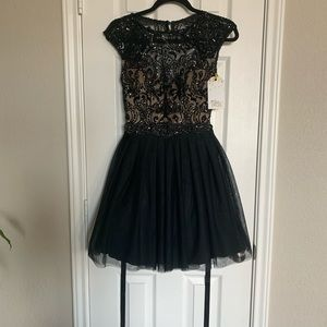 Black backless lace puff out prom dress